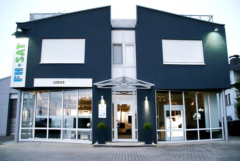 Die FH-SAT GmbH in Linkenheim-Hochstetten (bei Karlsruhe). Satellitenanlagen, Kabelfernsehen und Multimediatechnik in Perfektion.
