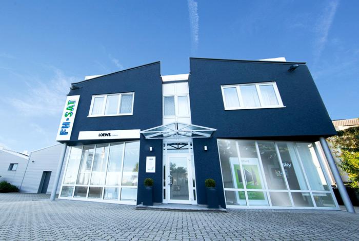 Die FH-SAT GmbH in Linkenheim-Hochstetten (bei Karlsruhe) ist Ihr kompetenter Partner für Satellitenanlagen, Kabelfernsehen und Multimediasysteme.